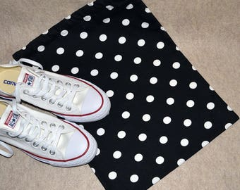 Black and White Polka Dot Drawstring Travel Shoe Bag