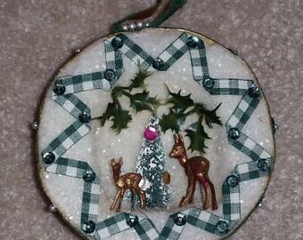 Vintage Handmade Diorama Christmas Ornament - Green