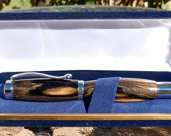 Continental fountain pen in Chrome and black and white Ebony wood
