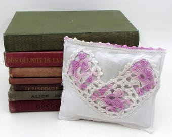 Dried Lavender Sachet - Purple Crochet - Vintage Linens - drawer sachet - vintage crochet