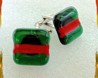 Retro Hand Crafted Fused Glass Cufflinks - Green / RED Squares on- Silver Tone T-Bar Fittings - Gift Boxed