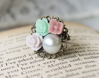 Pearl Statement Ring - Pearl Bridesmaid Gift - Pearl Bridesmaid Jewelry - Bridesmaid Accessory - Gift for Bridesmaid - Lace Filigree Ring