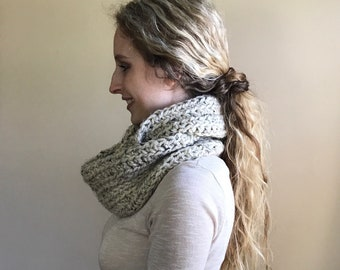 Ready to ship | Infinity Knit Circle Scarf Ribbed Texture | THE OXFORD | Oatmeal