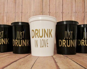 Drunk in love, Just Drunk Temperature Changing 16 oz cups! Bachelorette Party Cups, Bridal Party Cups.