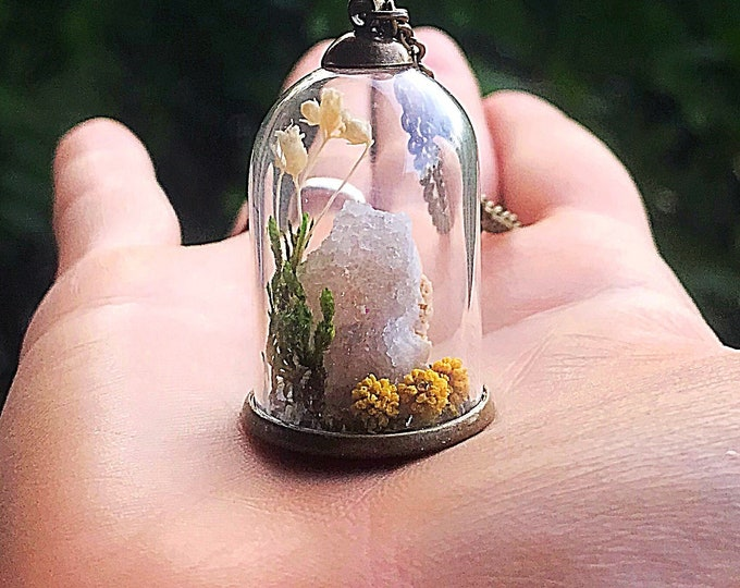 Crystal Garden Terrarium Pendant, Reiki-Infused Quartz Druzy Bell Jar Necklace, Natural Healing Stone, Real Flower Statement Jewelry, Boho