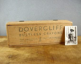 Antique Dover Cliff Lidded Wood Chalk Box, Dustless Crayons, Sandusky, Ohio, Dovetail, 1900s