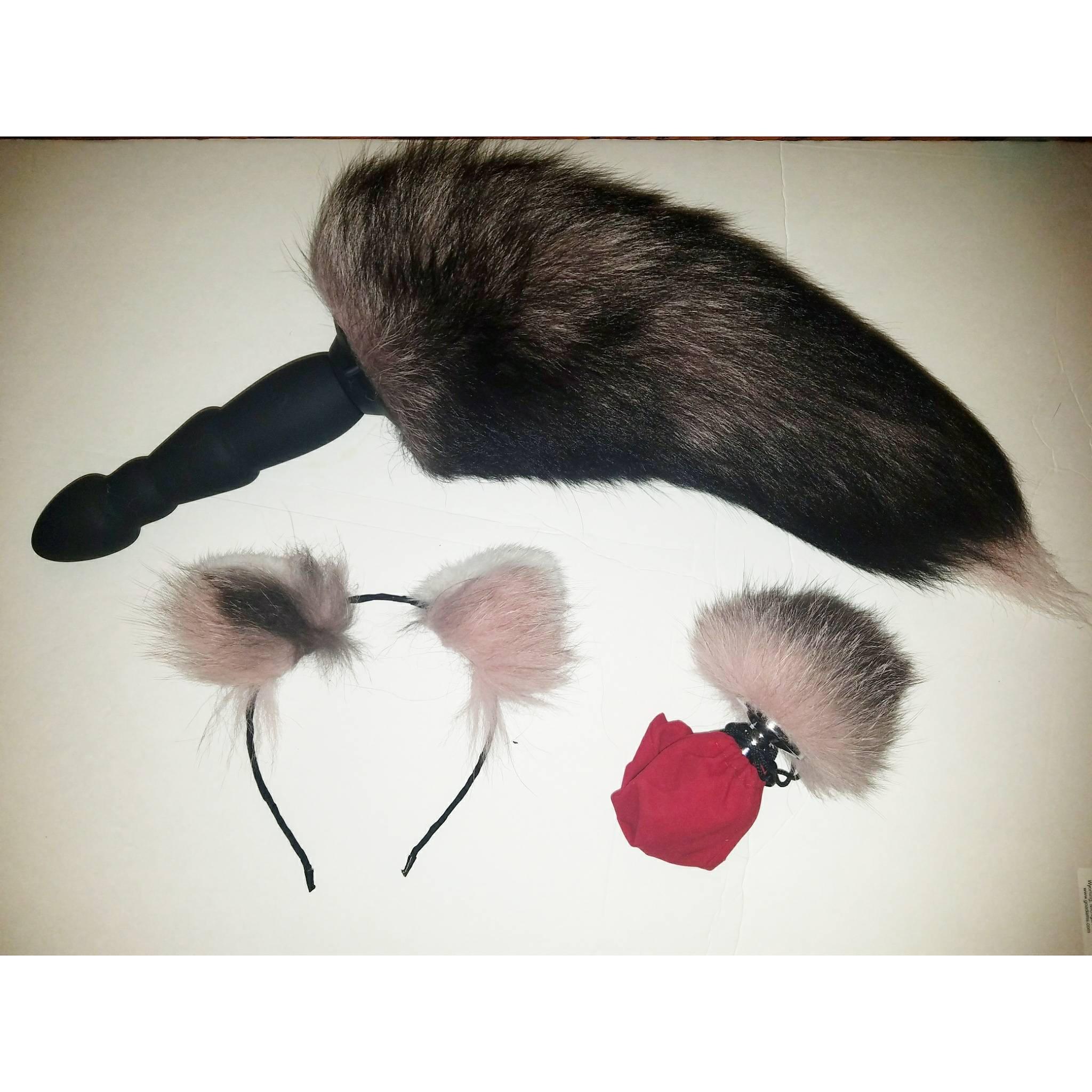 ass plug tail Description. This vibrating fox tail plug ...