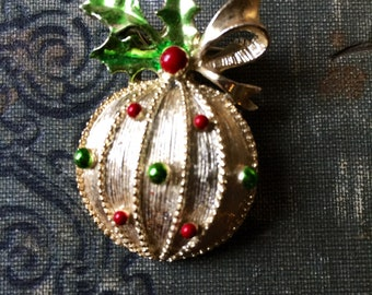 Vintage Gerrys Christmas Ornament Brooch Pin