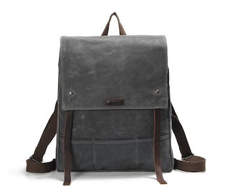 Flap-top Waxed Canvas Leather Strap Backpack (Grey)