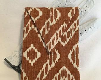 Golf Ball marker wallet/brown Ikat