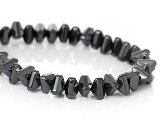 Set of 5 beads in the shape of TRIANGLE Hematite gunmetal 5X4mm