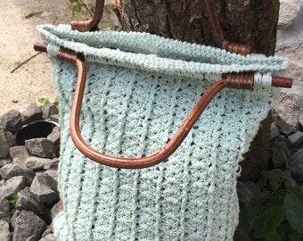Crochet- bag- with wooden handles