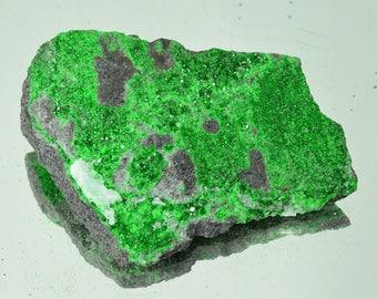 Uvarovite Crystals Stone specimen garnet druzy zodiac 64 grams, natural stone, healing crystal #10121