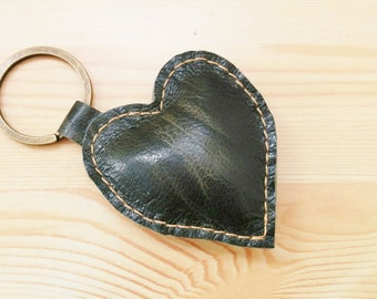 Leather keychain, leather keyring,heart keychain, heart keyring, green heart keychain,green heart keyring,green heart leather,leather heart