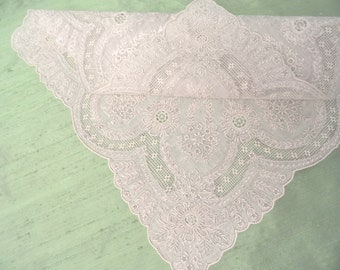 Extreme embroidery on this linen handkerchief / vintage linen hankie /  wedding hankie