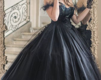 """""""Opéra"""" style black wedding dress tulle-lace and genuine high quality feathers"""