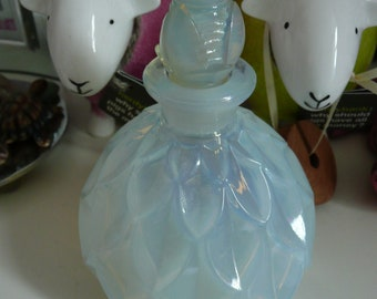 Vintage Sabino France Art Glass Petalia Opalescent Perfume Bottle with Stopper