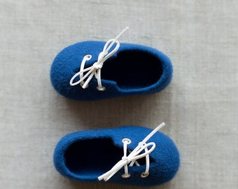 Kids slippers - Deep royal blue wool felted shoes - Boy's Christening shoes - Baby shower gift