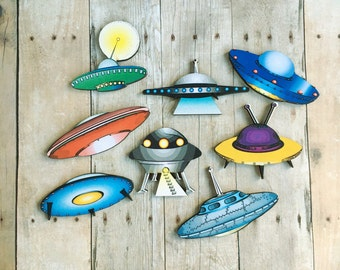 UFO Brooch Flying Saucer Spaceship Jewelry Space Travel Aliens Retro Pin SciFi