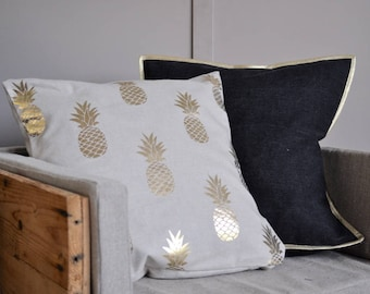 Cushion cover Golden pineapple (square)