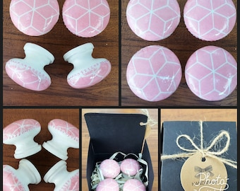 Hand Decorated Pink and White Pattern Wooden Drawer Knobs Pulls