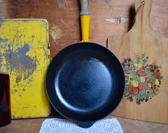 Vintage Bright Yellow Le Creuset Cast Iron Enamel Cookware Skillet Frying Pan with Wooden Handle Enamelware France French Cookware 24