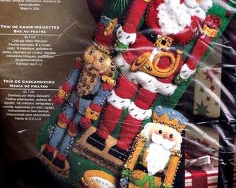 Nutcracker kit etsy bucilla nutcracker trio soldier santa holiday christmas felt stocking kit 86061 solutioingenieria Image collections