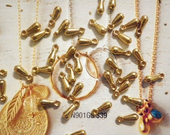 16 Goldplated 10mm Teardrop Charms