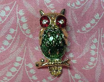 Vintage Signed New View Owl on Branch Enamel Brooch pin