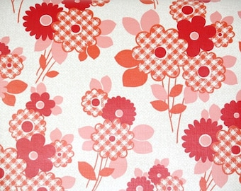Retro Wallpaper by the Yard 70s Vintage Wallpaper - 1970s Red and Pink Floral with Gingham Check Flowers on White