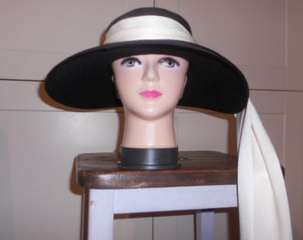 Audrey Hepburn-Style Hat. Chapeu du Matin. Black Hat with Cream Scarf. Ascot Hat. Kentucky Derby Hat. Breakfast at Tiffany's.