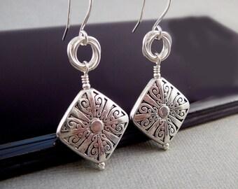 Silver Dangle Earrings, Unusual Silver Earrings, Classic Jewelry, Geometric Earrings, Cool Earrings, Trendy Jewelry, French Wire Earrings