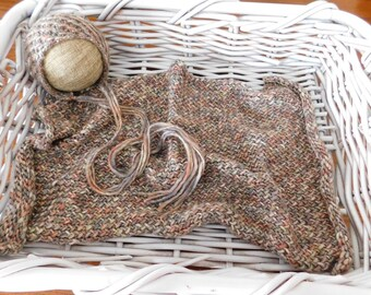 Newborn bonnet with matching mat layer