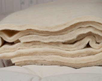 100% Pure New Wool Batting / By the yard or meter / Perfect for DIY Decoration, Arts & crafts, Upholstery, Insulation
