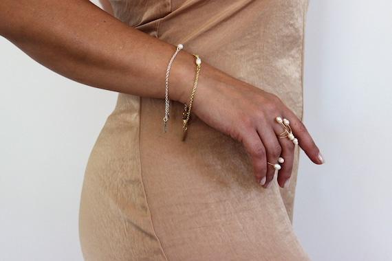Delicate Pearl Bracelet