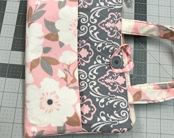 Bible cover with front and back pockets