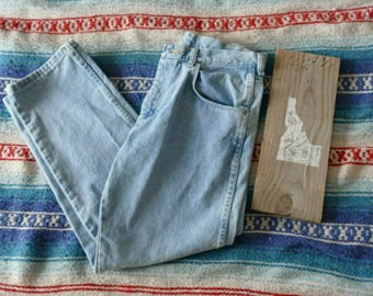 Vintage Light Colored High Waisted Wranglers Denim Jeans Size 32 x 30