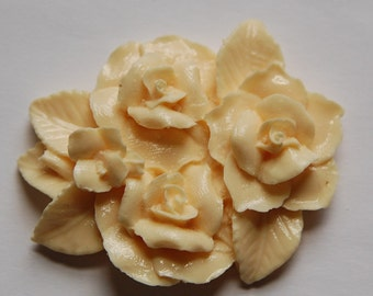 Large Oval Ivory Flower Adornment Cabochon cab677R