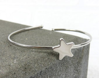 Personalised Silver Simple Star Bangle - Free Engraving