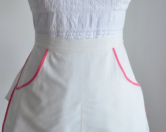 Kitschy Diner Vintage apron I love Lucy Style Hostess clothes pin cafe apron