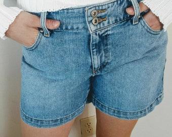 Vintage Denim Shorts Tommy Hilfiger Mom Jean Shorts Medium Blue Wash High Waisted Size 8 1990s Basic Denim Jean Shorts Medium Length