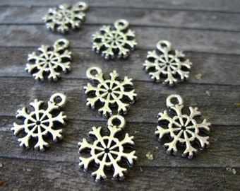 25 Silver Snowflake Charms 14mm Antiqued Silver