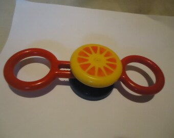 Vintage Johnson & Johnson Yo Yo Rattle Plastic Back and Forth Toy Made In Hong Kong, collectable,