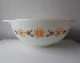 Large Pyrex Mixing Bowl Town and Country Pattern