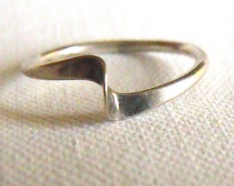 Antique / Vintage Twist Silver Ring • Solid Sterling Silver Ring • Size 5 •