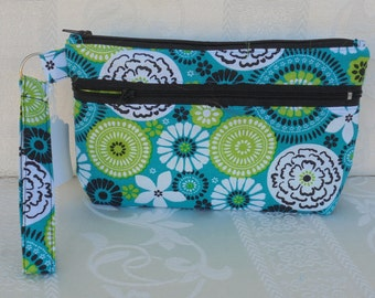 Medallion on Capri Breeze, Wristlet, phone Bag, Zippered Bag, pouch, clutch bag, fabric bag,handbag, credit Card Pockets