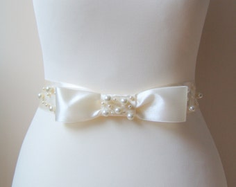 Bridal Ivory Sash, Bow Sash, Pearls White Romantic Wedding Belt