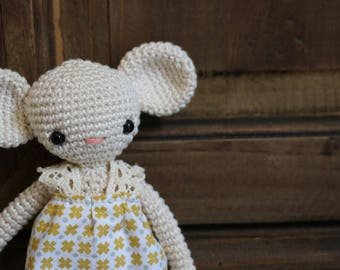 Doll mouse hook