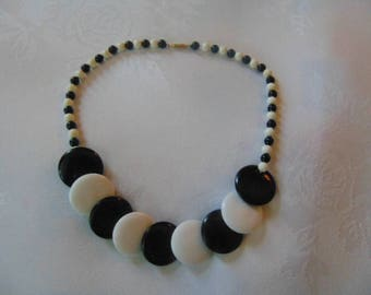 vintage 1960 black and white plastic necklace 16.6 inches long op art