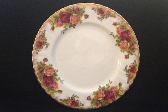 "FREE SHIPPING-Fantastic-Original-Vintage-1962-Old Country Roses-Royal Albert-Bone China-Made England-8 1/4""-Salad/Dessert Plate"